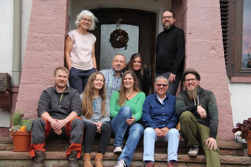 Das Regenbogen Pädagogenteam der WG Prisma